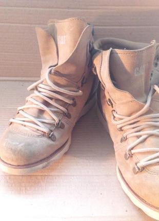 Фірмові шкіряні ботинки осінь.