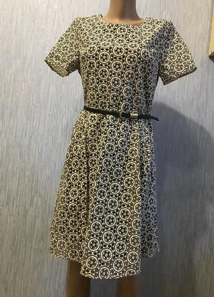 Шикарное платье с перфорацией 10 размер