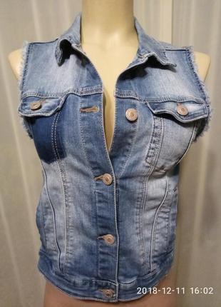 Безрукавка джинсовая, жилетка