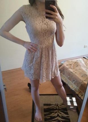 Кружевное платьице