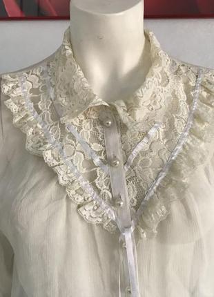 Блуза в романтическом стиле с кружевом