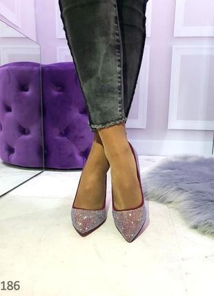 Женские туфли лодочки на шпильке со стразами цвета марсала 36,373
