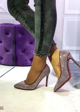 Женские туфли лодочки на шпильке со стразами цвета марсала 36,374