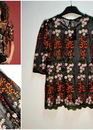 Блуза черная из сетчатой ткани с принтом цветы
