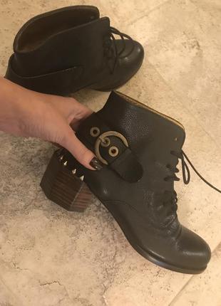 Стильные кожаные ботинки - испания, ботинки с шипами
