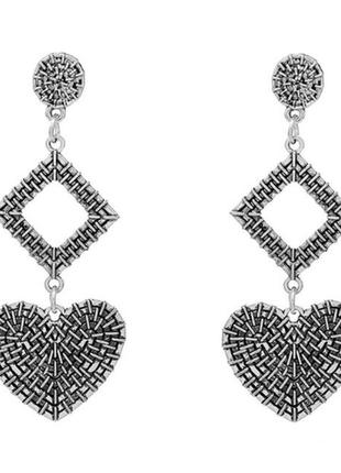 Стильные серьги серёжки с сердцем цвет серебро