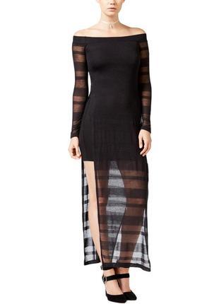 Платье с открытыми плечами и разрезами по бокам