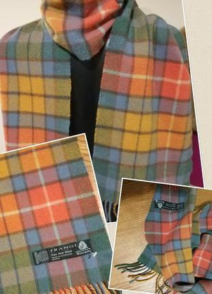 Фирменный стильный качественный натуральный шерстяной тонкий шарф.