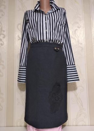 Чёрная тёплая шерстяная юбка на подкладке.