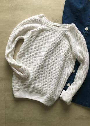 Красивый вязаный свитерок