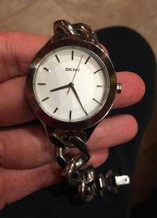 Красивые часы dkny, стальные