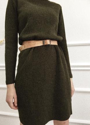 Платье глубокого зеленого цвета f&f