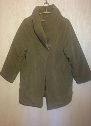 Объемное ( дутое ) пальто одеяло м—л . длина по колено .