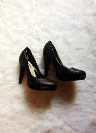 Черные туфли лодочки на устойчивом каблуке и кожаная стелька шпилька маленький размер