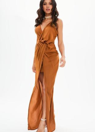 Вечернее платье в бельевом стиле на запах missguided