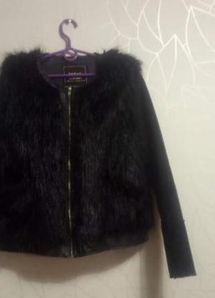 Стильная и теплая меховая куртка бомбер от boohoo