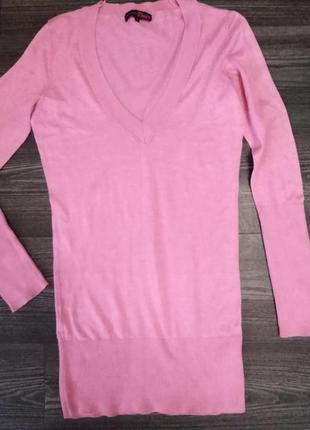 Розовое платье.