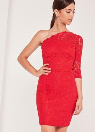 Шикарное кружевное платье на одно плече missguided