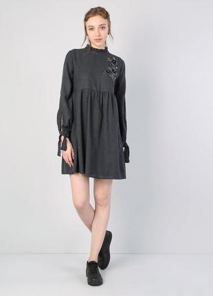 Очень красивое платье colin`s