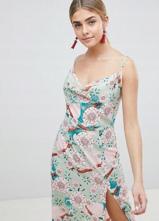 Prettylittlething чарівна квітчаста сукня