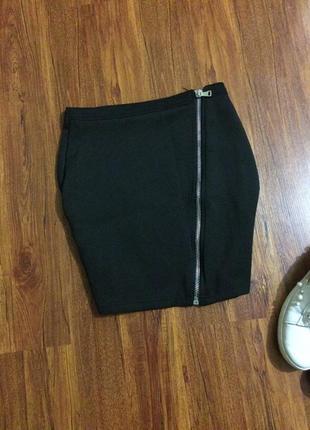 Чёрная короткая юбка2