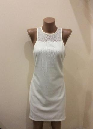 Костёльное платье с открытой спиной
