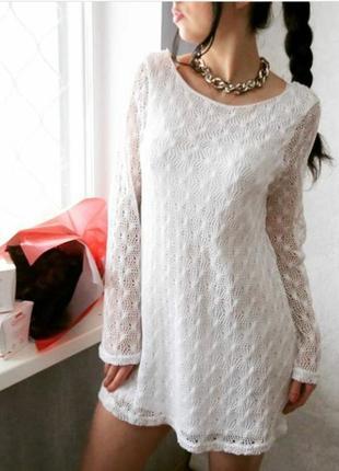 Платье белое с рукавами клещ нежное