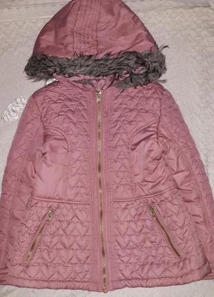 Класна куртка на дівчинку