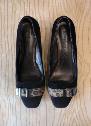 Туфли 37,5 кожаные кожа замшевые лодочки каблуке невысоком черные классические удобные