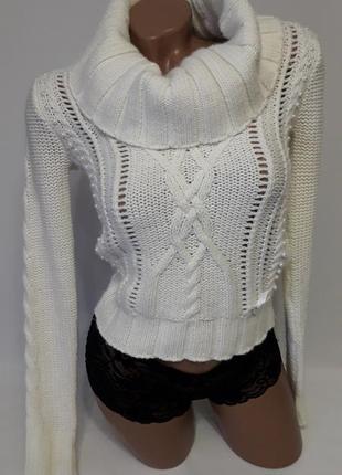 Нежно-молочный свитер lipsy