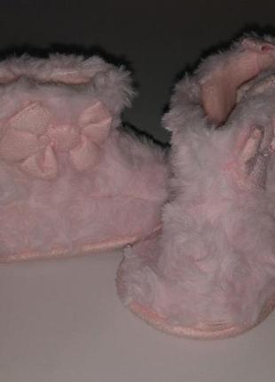 Красивые нежно-розовые пинетки на малышку 3-6 мес.,сток