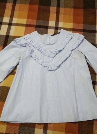 Нежна льняная блуза с рюшами