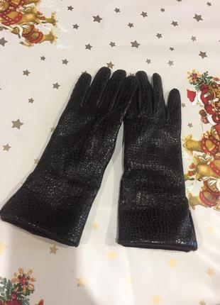 Зимние кожаные итальянские перчатки