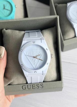 Часы guess в подарочной коробочке отличный подарок на нг