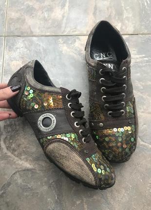 Дизайнерские кожаные кроссовки - италия!