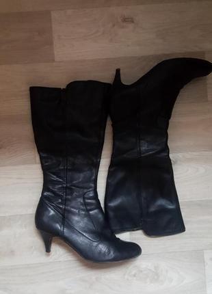 Новые женские черные сапоги зимние ботинки на каблуке