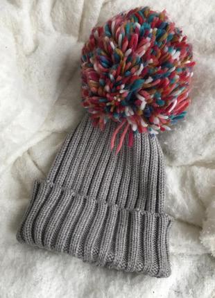 Классная шапка с большим балабаном