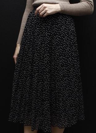 Плиссерованная миди юбка в горошек primark
