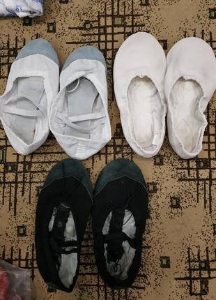 Три пары балеток для танцев1 фото