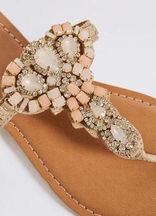 Ювелирные сандалии с кристаллами шлепки вьетнамки marks&spencer1 фото