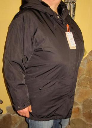 Куртка  pull&bear,раз м но больше подойдет на l -xl