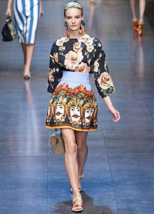 Яркие краски, смелый образ: юбка dolce&gabbana