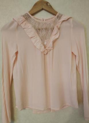 Блузка с рюшами