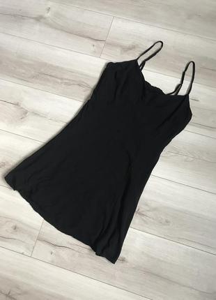 Стильное чёрное  платье bershka