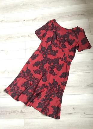 Шикарное платье next с v образным вырезом на спинке