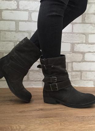 Замшевые стильные сапоги ботинки демисезон натуральные