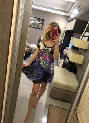 Шелковое платье с кружевом