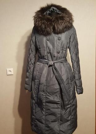 Серый пуховик /пальто/ unico