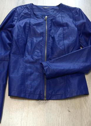 Курточка с экокожи