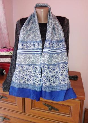 Шарф платок в голубые узоры